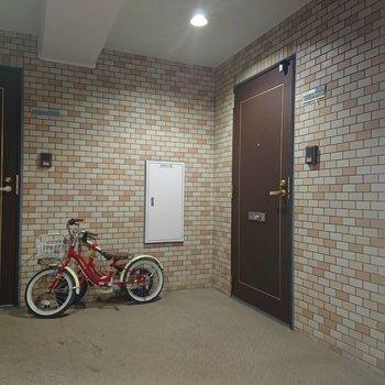 共用部には子供用の自転車も
