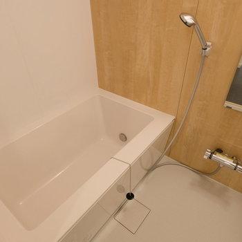 浴槽が広い!ゆったり入れます。