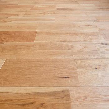 無垢床が気持ちいいんです。。家具を入れると無垢床の良さを更にわかって頂けるはず!