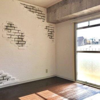 コンクリート打ちっぱなしの冷たさがない内装