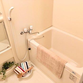 お風呂は長湯も出来そう〜!(※写真の家具や小物は見本です)