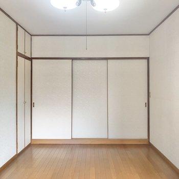 【洋室7.5帖】ここは寝室かなぁ。
