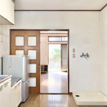 【台所】キッチン、水回りがまとまっています。
