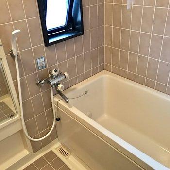 浴槽が広いからゆったりできます。