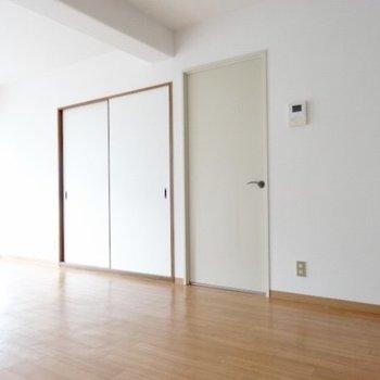 ではお部屋のご紹介。