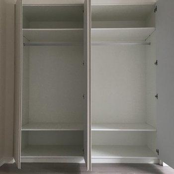 洋服がたくさん入りそう◎※写真は3階同間取り別部屋のものです