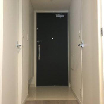清潔感のある玄関※写真は3階同間取り別部屋のものです