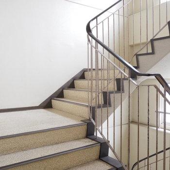 教養の階段は幅広タイプ!