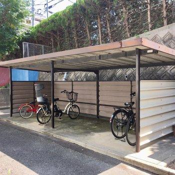 自転車置き場も広いんです。