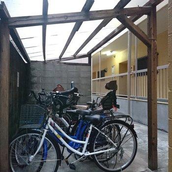 共用部】1階には駐輪場ありです