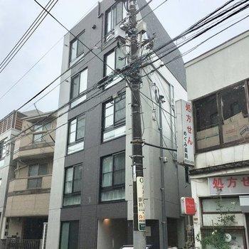 5階建ての築浅マンション
