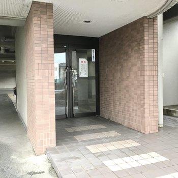 入り口はこちらから。