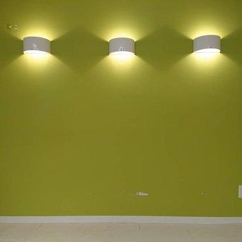 緑もきれいですが、照明もいいですね※写真はクリーニング前のものです。