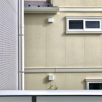 眺望は住宅街。その分静かですよ。
