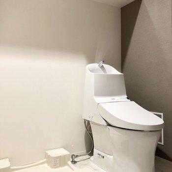 トイレはウォッシュレットつきですよ。