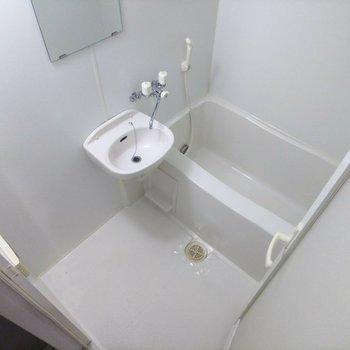 浴室乾燥機や追焚機能も備わっています。※写真は前回募集時のものです