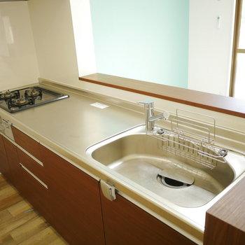 キッチンは作業スペースもしっかりあります!