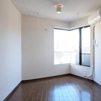 角っと※写真は2階の同間取り別部屋のものです