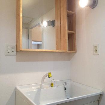 洗面台も新しく設置済です※写真はイメージです