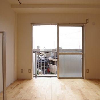 こちらは2階、洋室