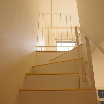 階段も清潔に