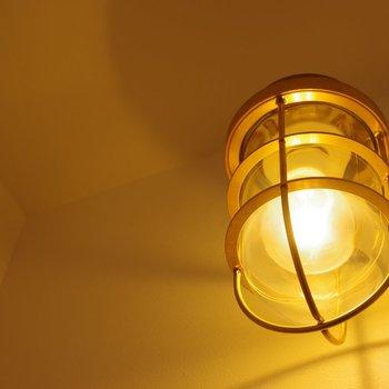 柔らかな照明のあかり