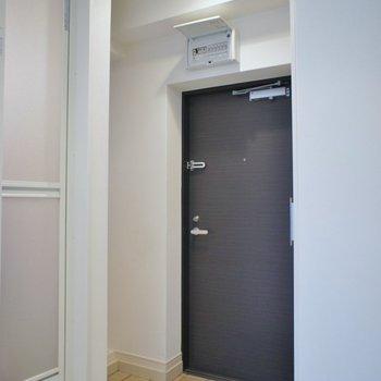 玄関はこちら。※写真は、前回撮影時のもの