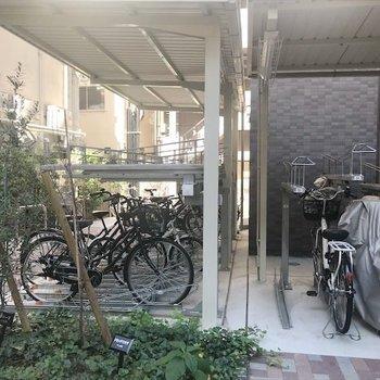 敷地内に自転車置き場もあります!