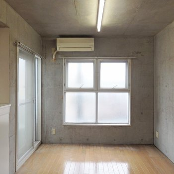 窓がたくさんあるのが嬉しいですね。(※写真は3階の同間取り別部屋のものです)