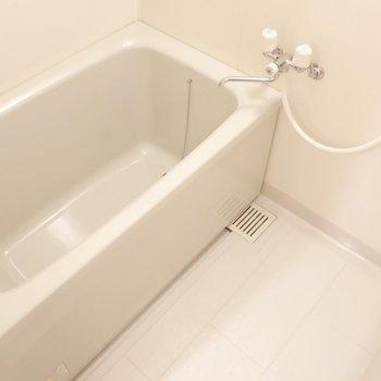 浴室も程よい広さです。
