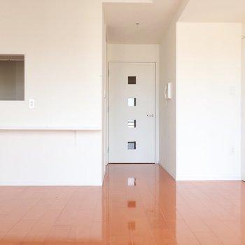 ドアのデザインもオシャレ♪(※写真はクリーニング前のものです)