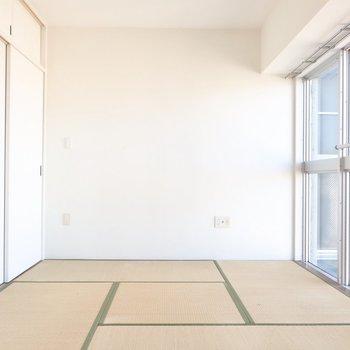 シンプルな和室も絵になる♪(※写真はクリーニング前のものです)