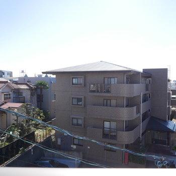 眺望は周りに高い建物はなく住宅街が見えます。(※写真と文章は前回募集時のものです)