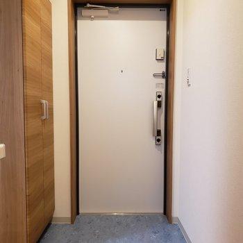 玄関はゆったり。※写真は前回募集時のものです