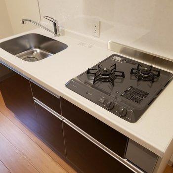 キッチンも使いやすそう。※写真は1階の同間取り別部屋のものです