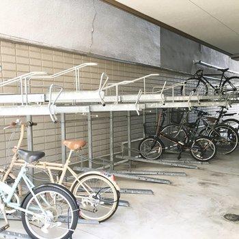 共用部】駐輪場は雨の心配は少なそう。