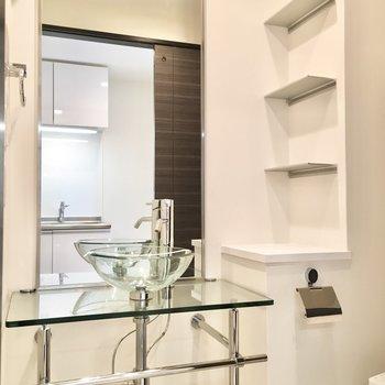 洗面台がスタイリッシュでホテルライクな使い方ができそう。