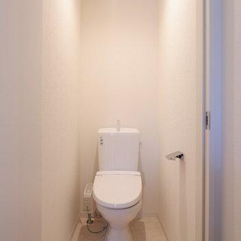 圧迫感のないトイレです。※写真は前回募集時のものです