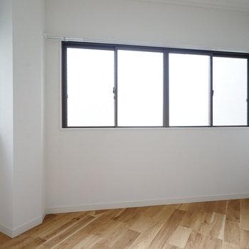 寝室は2面採光◎※写真は前回施工した2階のお部屋のもの