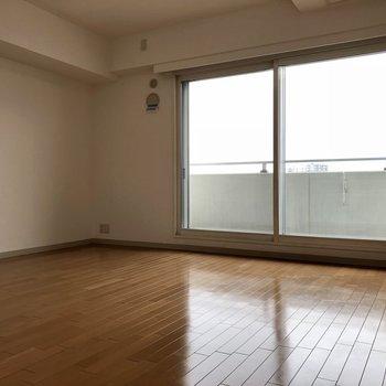窓大きい!!!※写真は同間取り別部屋です
