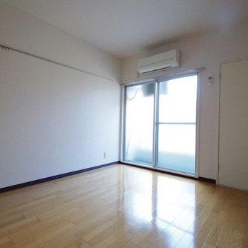 【工事前】お部屋のイメージをガラリと変えます!※写真は反転間取り別部屋のものです。