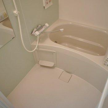 追い焚き+浴室乾燥機付きの最強バスルーム。