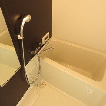 お風呂は追い炊きと浴室乾燥機も