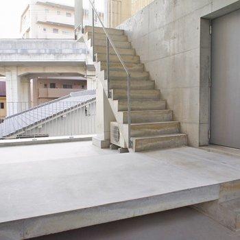 外の階段部部分はフリースペース※写真は前回募集時のもの。