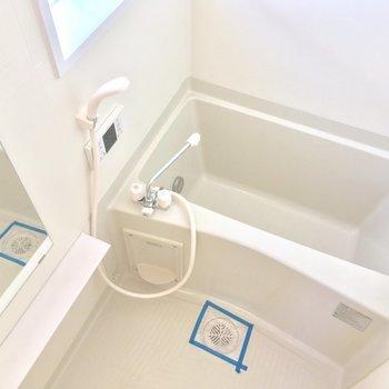 バスルームにも窓が!爽やか〜※写真は前回募集時のものです。