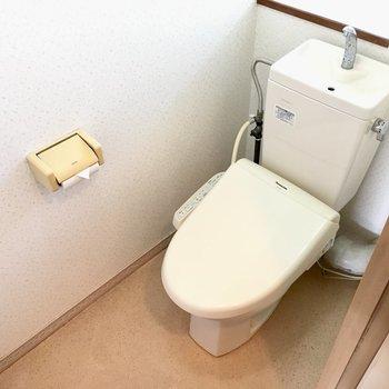 トイレはウォシュレット付きです◎(※写真は清掃前のものです)