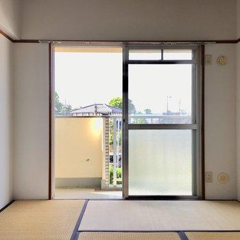 和室は5.5帖。こちらからもバルコニーに出入りできます。(※写真は清掃前のものです)