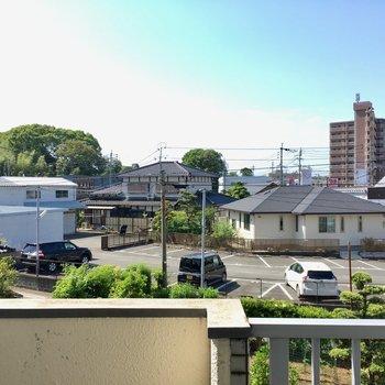 住宅街が広がる、のどかな風景。