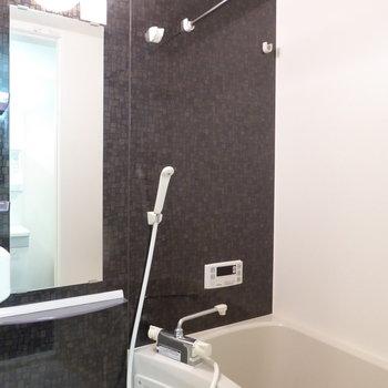 浴室は追い焚きと乾燥機が付いています!
