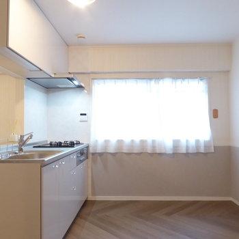 キッチン背面は広さがたっぷり
